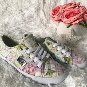 G by Guess shoes snickers floral